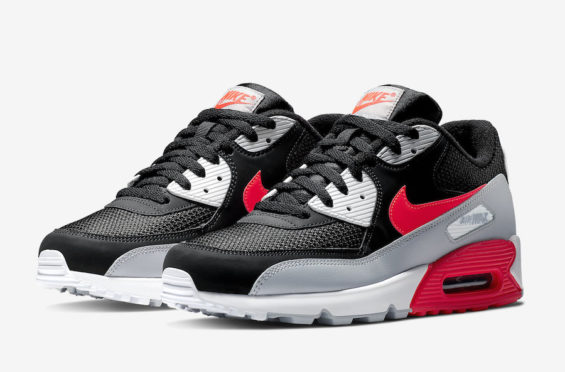 newest 15404 833ba This Colorway Of The Nike Air Max 90 Comes Covered In A Classic ...