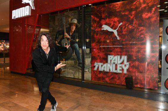 Paul Stanley Makes Las Vegas Appearance